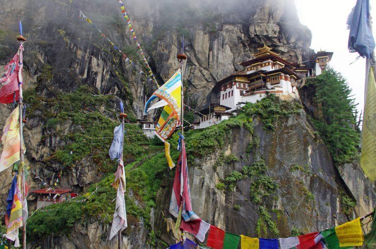 Viaggio avventuroso monastero di Taktsang
