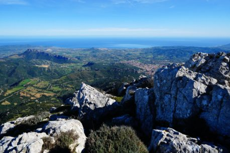 Trekking in Sardegna nel Supramonte territorio di Baunei